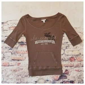 Abercrombie & Fitch Shirts & Tops - Abercrombie Girl's Moose Tee Kangaroo Pocket XL